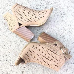 Shoes - PEEP TOE BUCKLE PERFORATED TAN BLOCK HEEL